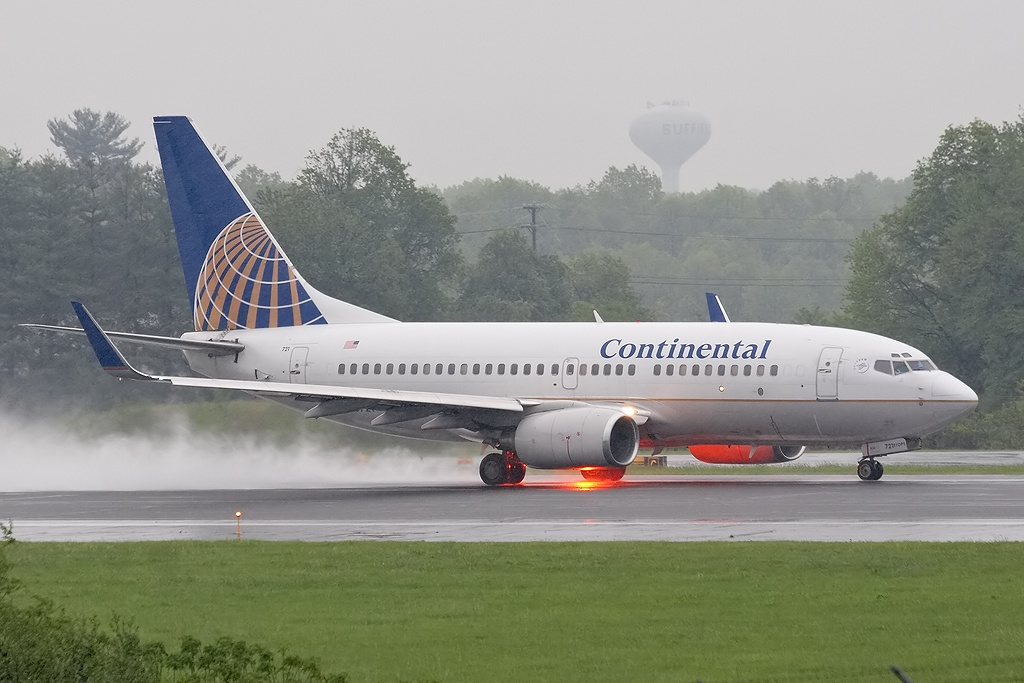 AB3 Boeing 737-724, Continental Airlines