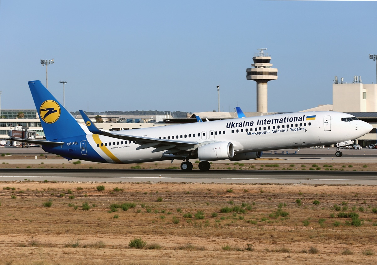 AD5 Boeing 737-9KV(ER), Ukraine International Airlines